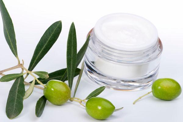 Cosmetici naturali: i pregi dell'olio di oliva